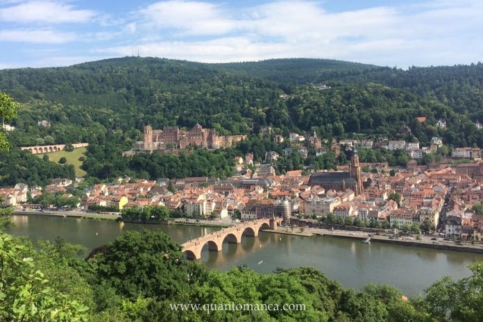 Heidelberg, Germania - vacanze con Bambini - Heidelberg - vista sul fiume Neckar con Ponte storica - Quantomanca.com