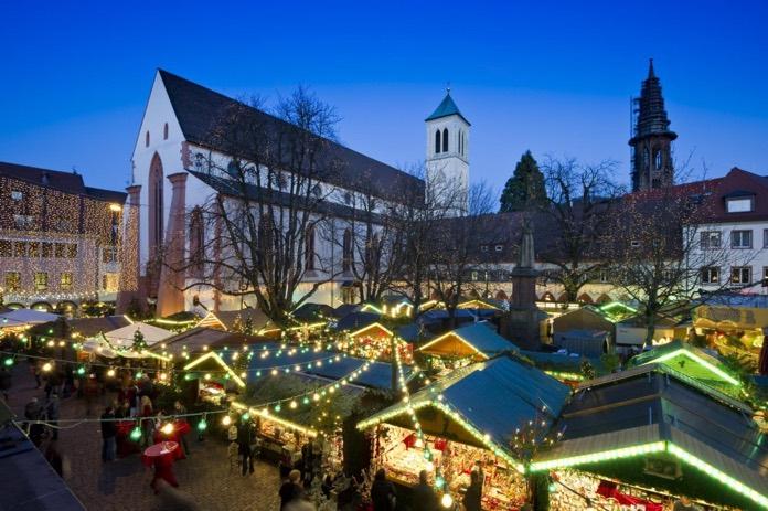 Freiburger Weihnachtsmarkt © URV / Schoenen