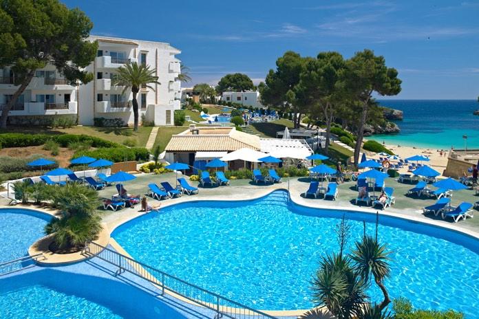 Vacanze con la famiglia a maiorca - Campeggi con piscina lago di garda ...