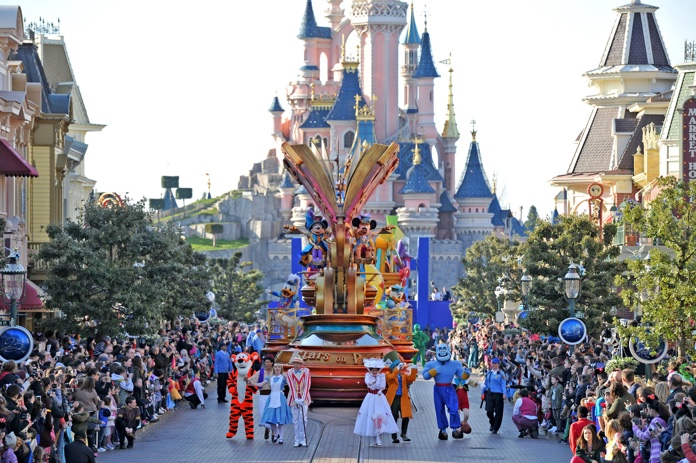 disneyland paris parata