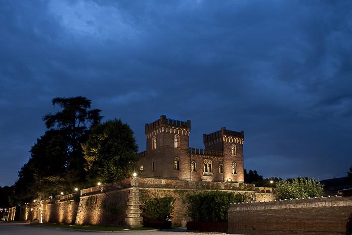 castello-bevilacqua-notturno