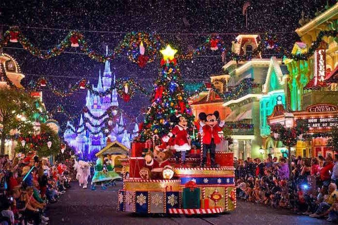 e12adf8a7b Il Natale da favola raddoppia a Disneyland Paris per i 90 anni di ...