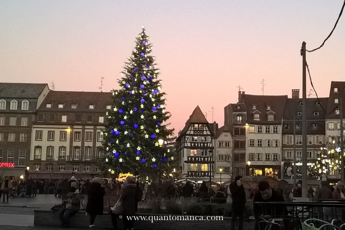 mercatini-natalizi-strasburgo-piazza