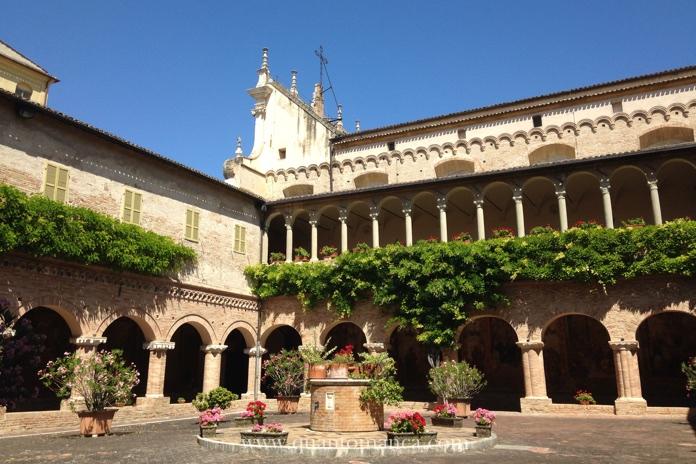 basilica san nicola chiostro