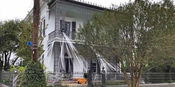 new orleans abitazione decorata per halloween